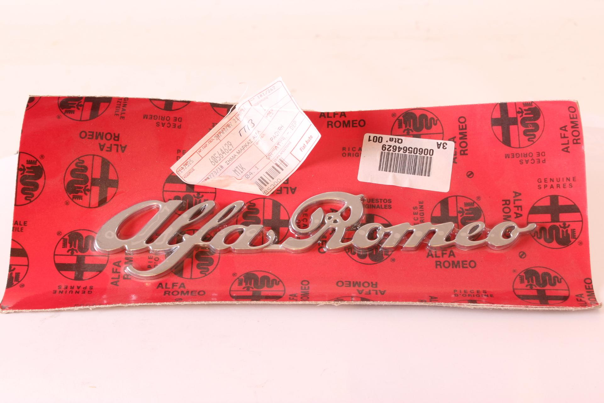 """Emblem Schriftzug """"AlfaRomeo"""" Spider Bj 1990 1993 NEU Original"""